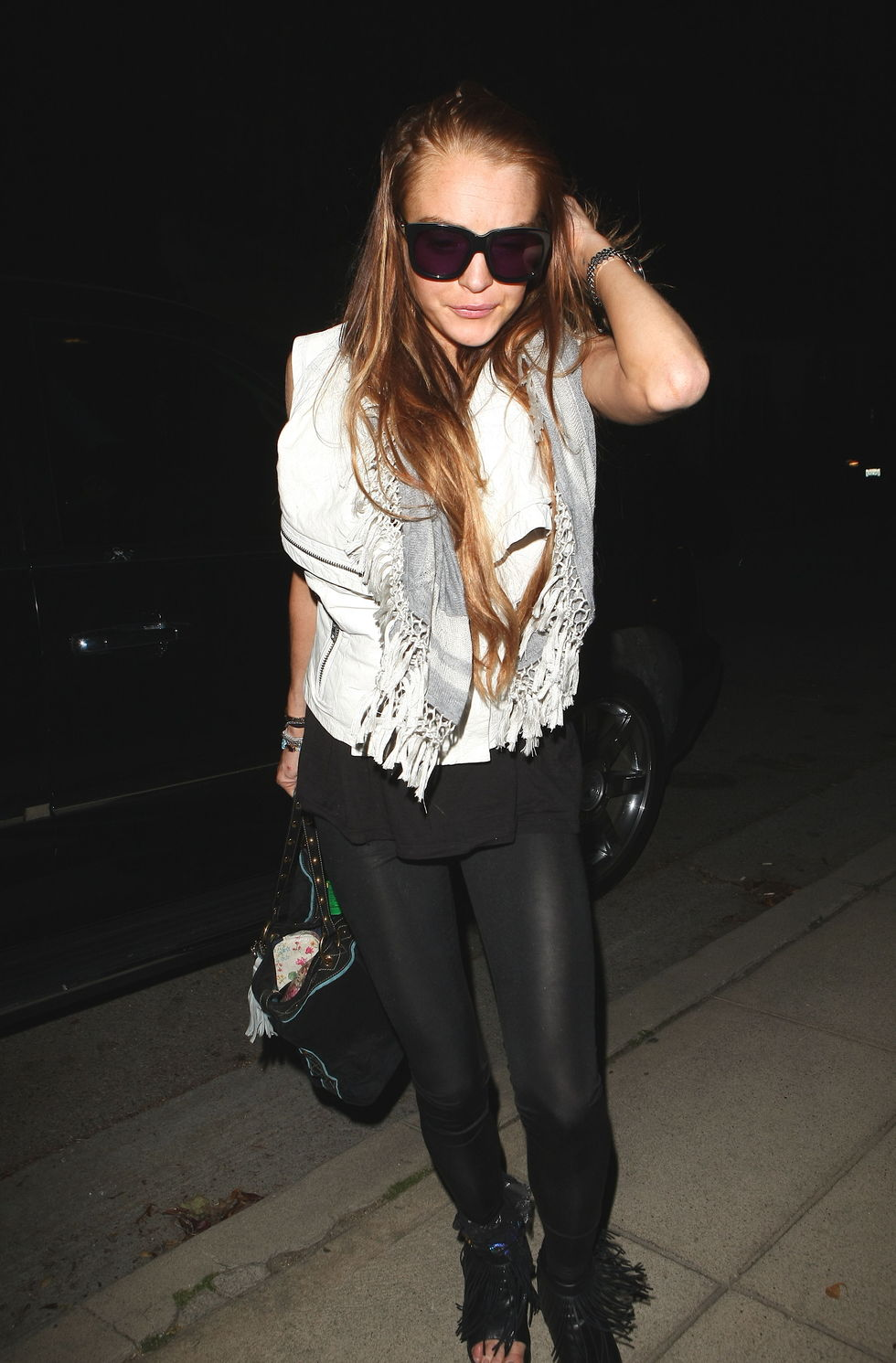 lindsay-lohan-candids-in-los-angeles-4-02