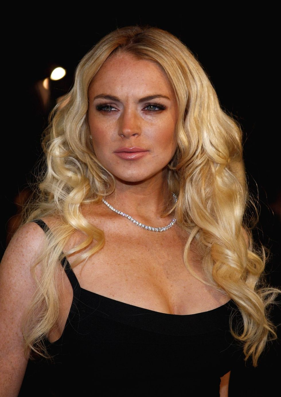 lindsay-lohan-cloverfield-premiere-in-los-angeles-01