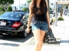 lindsay-lohan-denim-shorts-candids-in-los-angeles-02