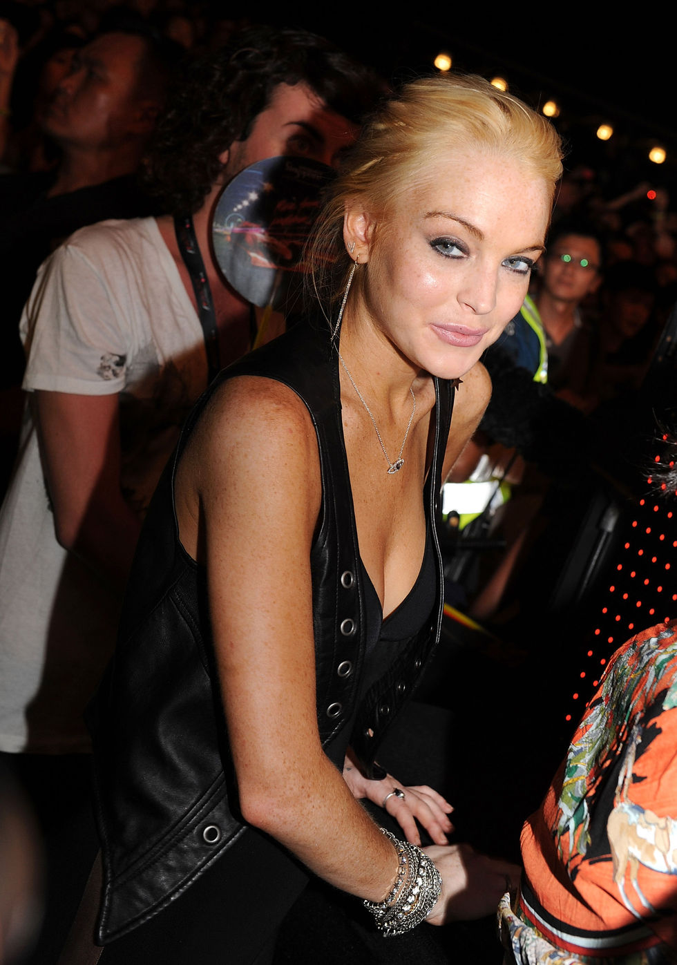 lindsay-lohan-hosting-the-f1-rocks-in-singapore-16