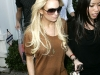 lindsay-lohan-leggy-candids-at-24-karat-diamond-store-12