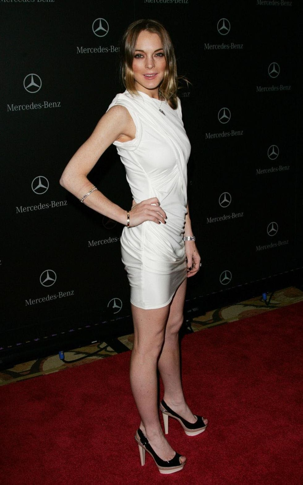 lindsay-lohan-mercedes-benz-oscar-party-in-beverly-hills-01