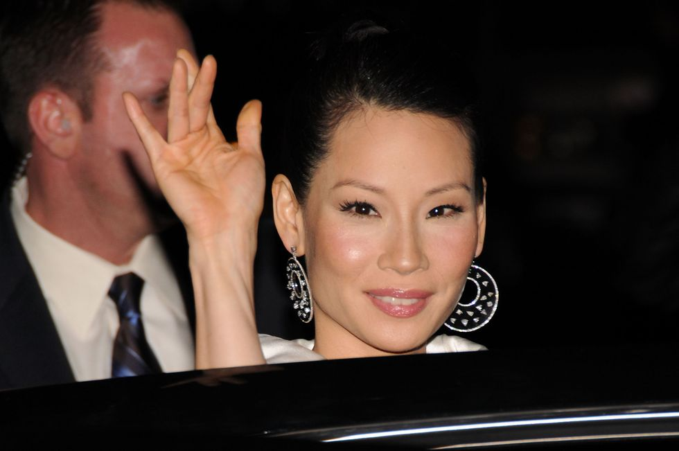 lucy-liu-late-show-with-david-letterman-in-new-york-city-01