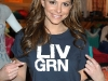 maria-menounos-candids-in-los-angeles-05