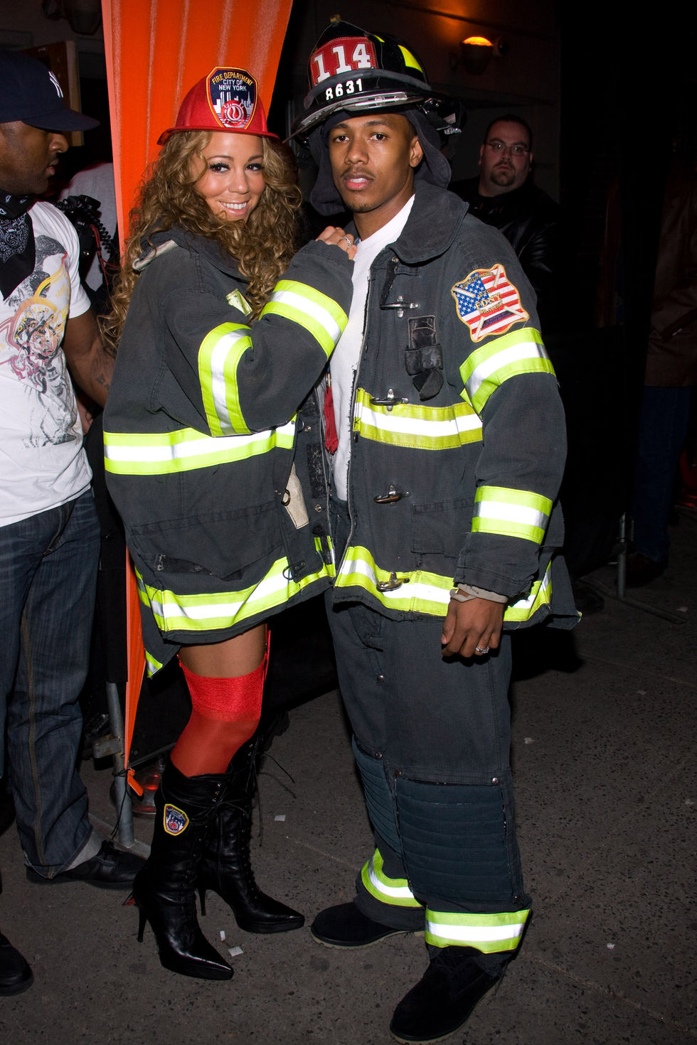 mariah-carey-as-firefighter-at-halloween-party-01