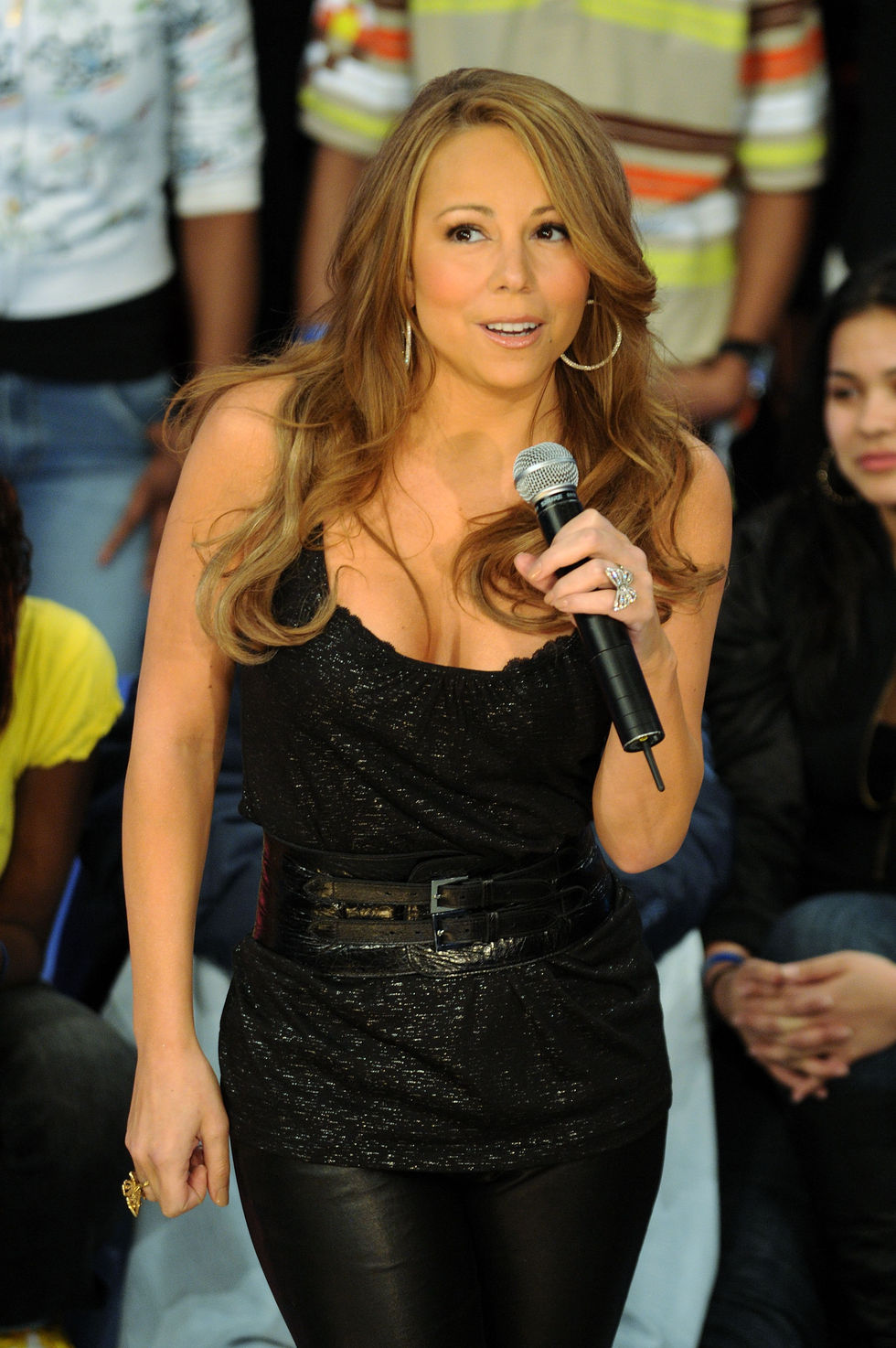 mariah-carey-bets-106-park-at-bet-studios-01
