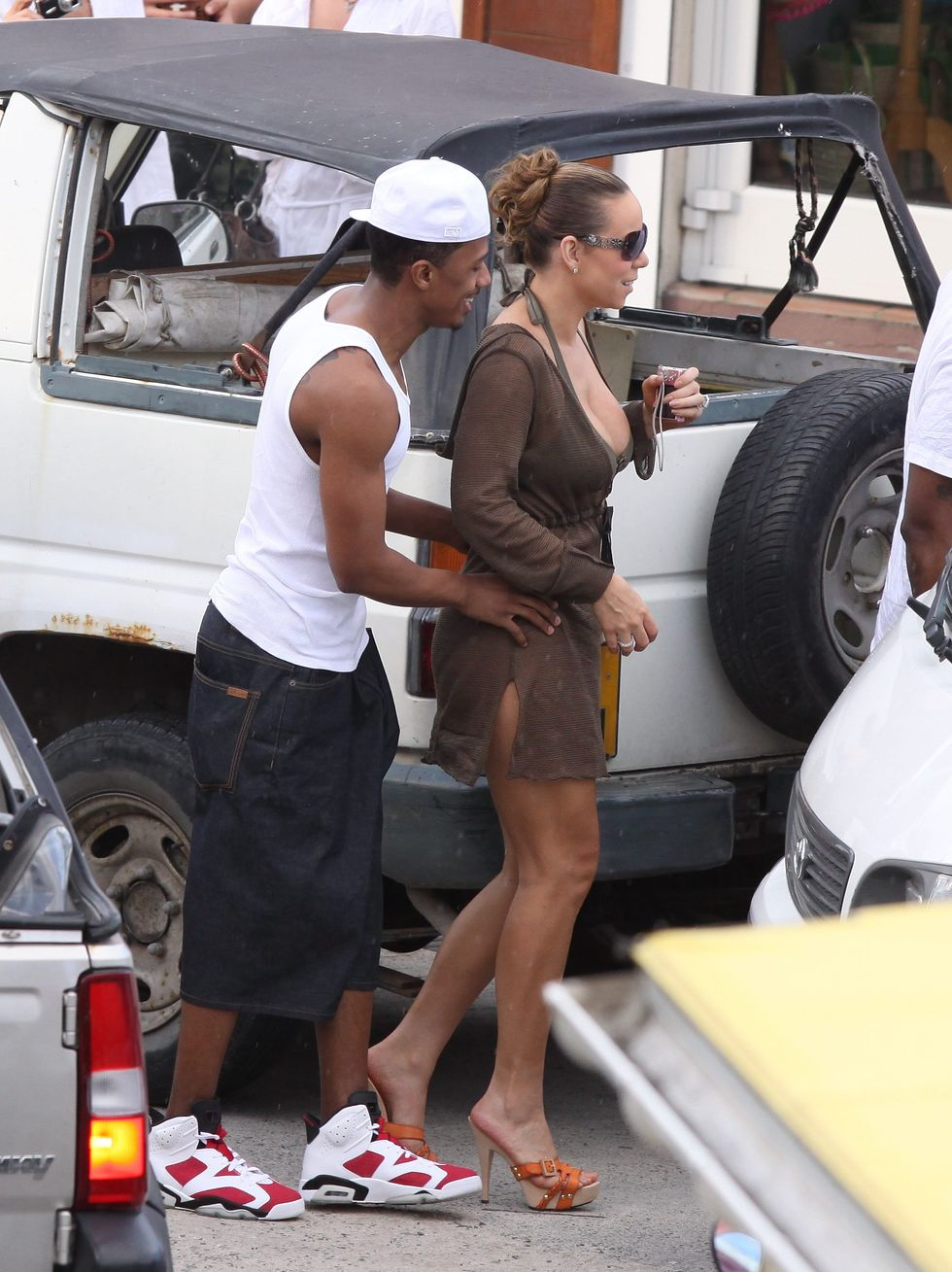 mariah-carey-bikini-candids-in-saint-barth-01