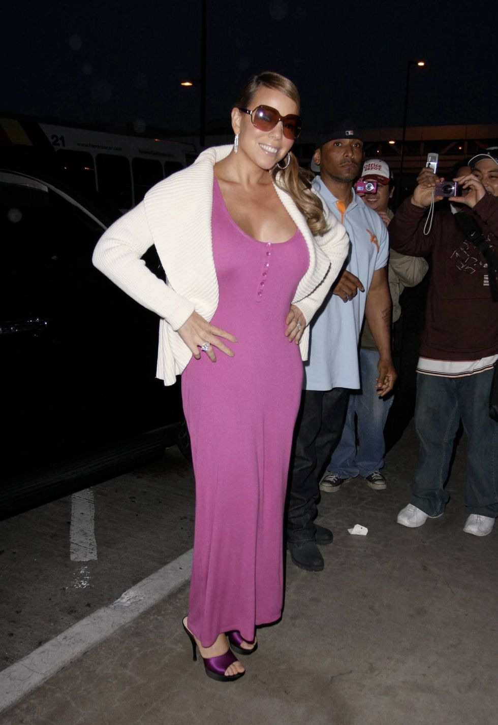mariah-carey-cleavage-candids-in-los-angeles-01