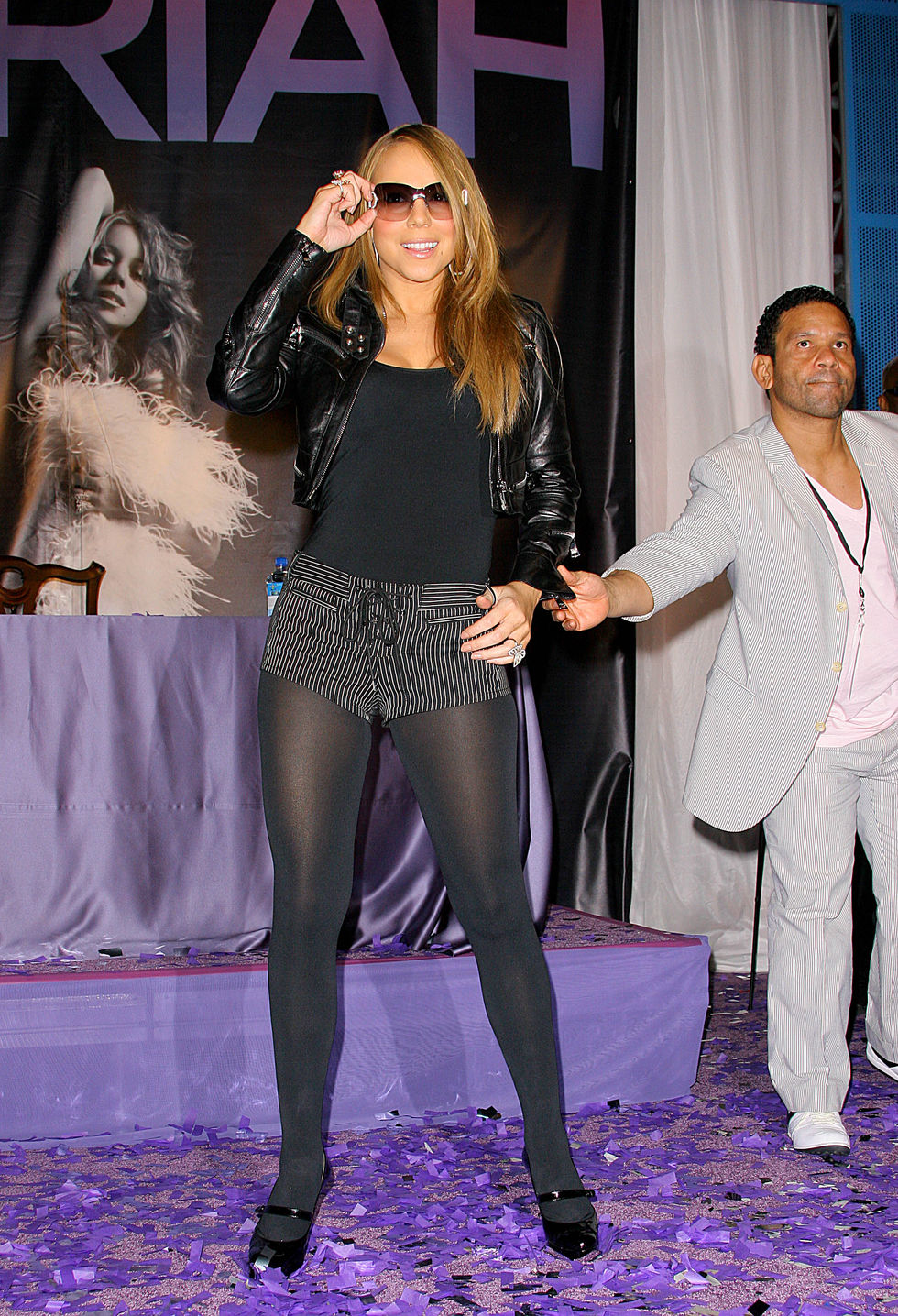 mariah-carey-emc2-promotion-at-the-hard-rock-cafe-in-universal-city-01