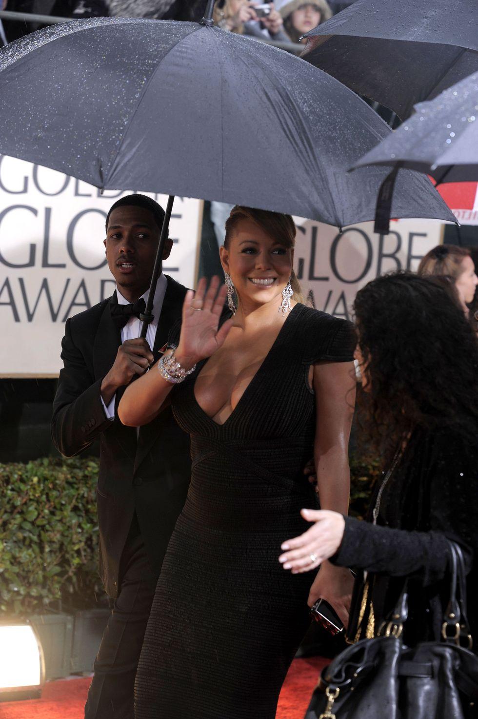 mariah-carey-huge-cleavage-at-2010-golden-globe-awards-01