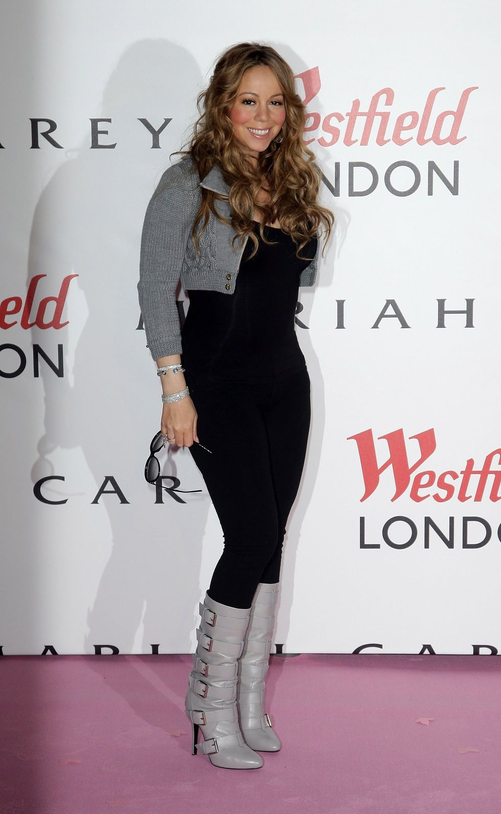 mariah-carey-turns-on-the-westfield-shopping-centre-christmas-lights-01