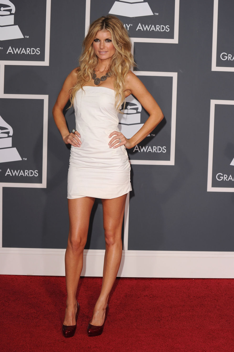 marisa-miller-52nd-annual-grammy-awards-in-los-angeles-01