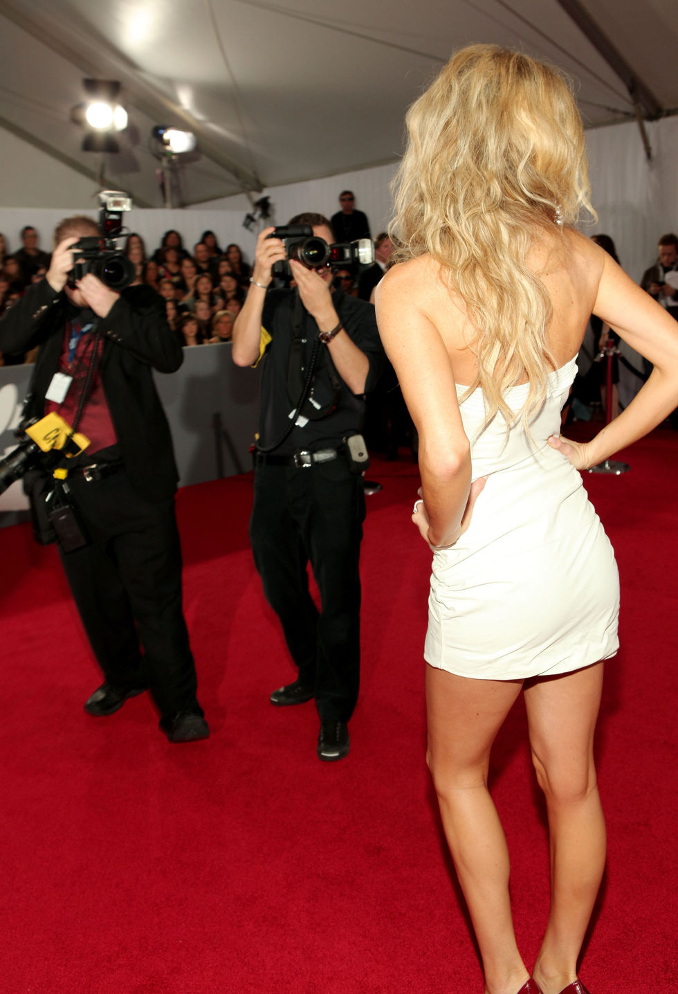 marisa-miller-52nd-annual-grammy-awards-in-los-angeles-10