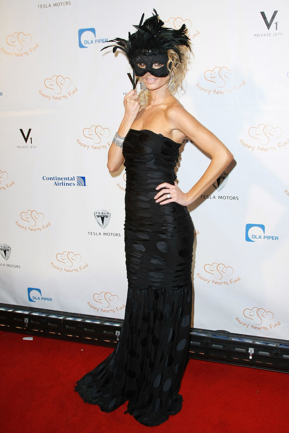 marisa-miller-happy-hearts-fund-2008-ball-a-masquerade-in-venice-in-new-york-01