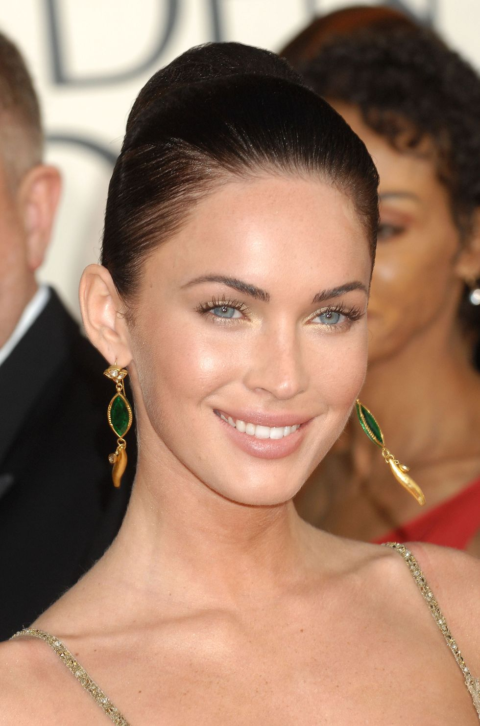 megan-fox-66th-annual-golden-globe-awards-01