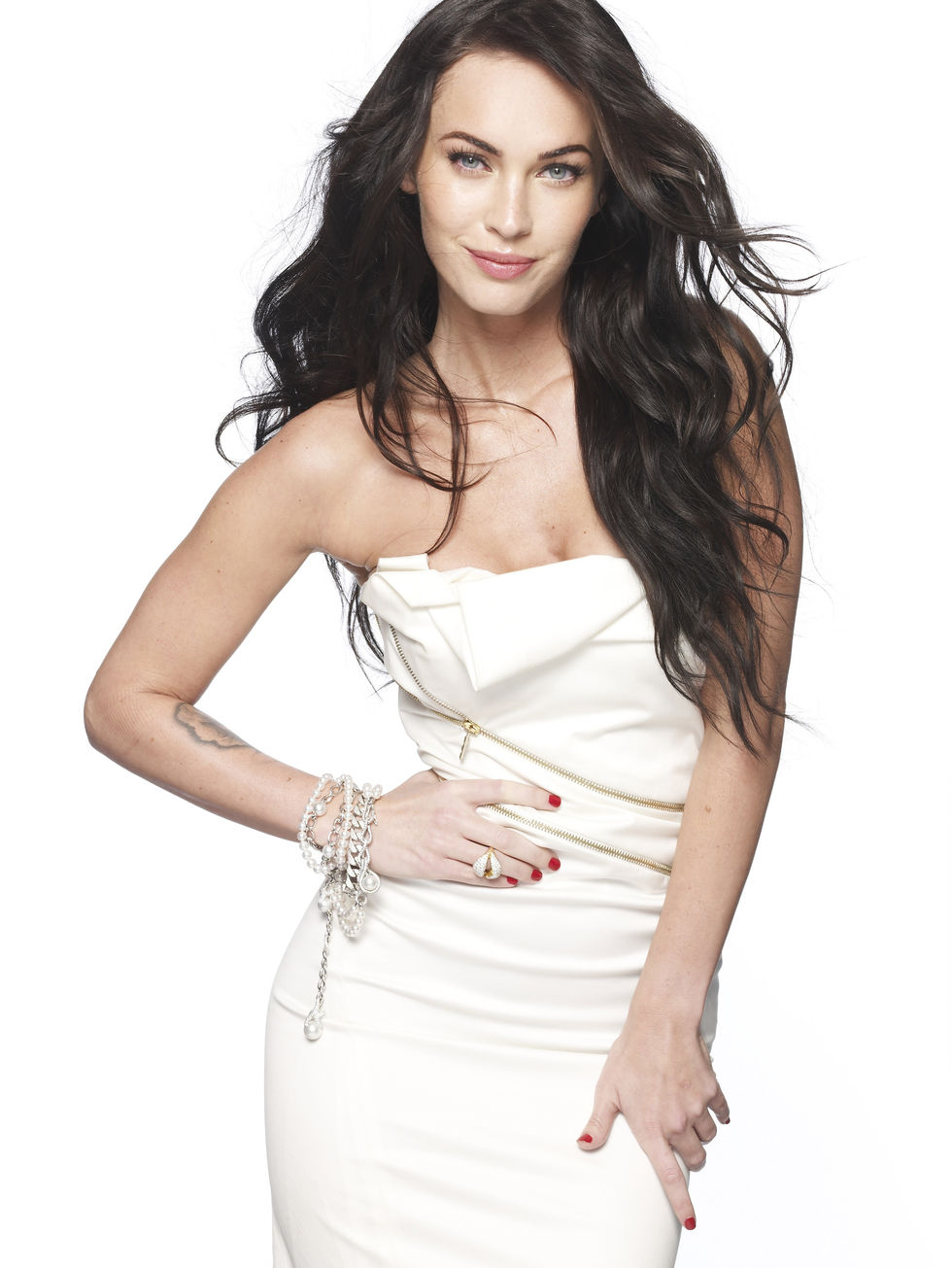 megan-fox-elle-magazine-photoshoot-outtakes-uhq-01
