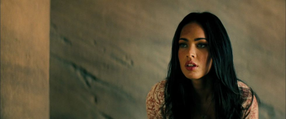 megan-fox-transformers-2-revenge-of-the-fallen-trailer-caps-01