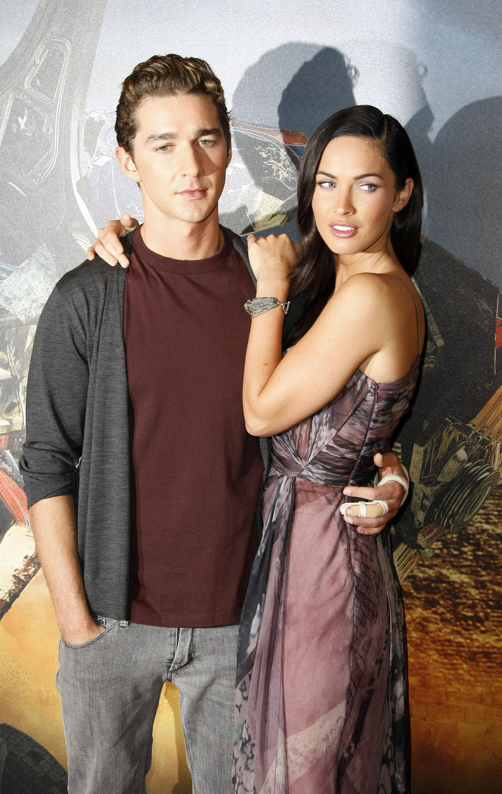 megan-fox-transformers-revenge-of-the-fallen-photocall-in-paris-01