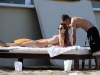 mena-suvari-bikini-candids-at-the-beach-in-mexico-01