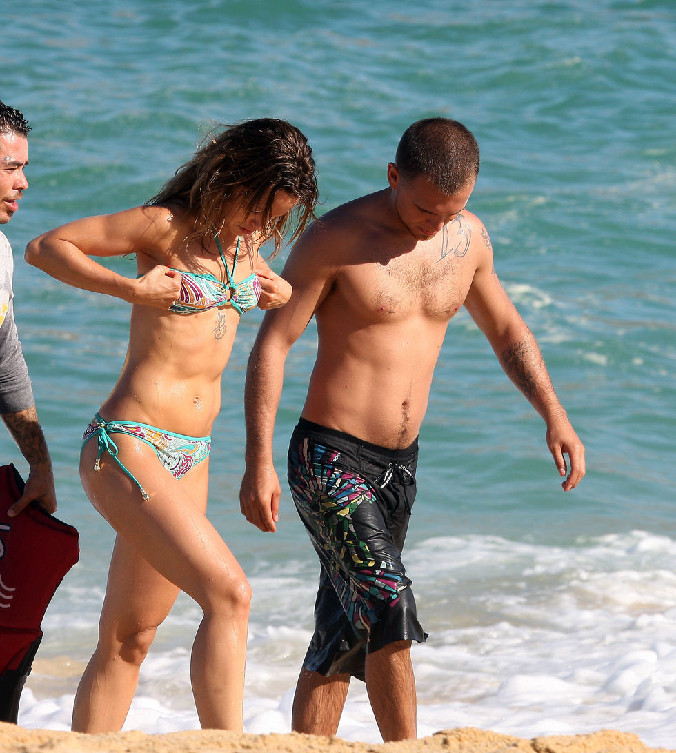 mena-suvari-in-bikini-at-the-beach-in-mexico-01