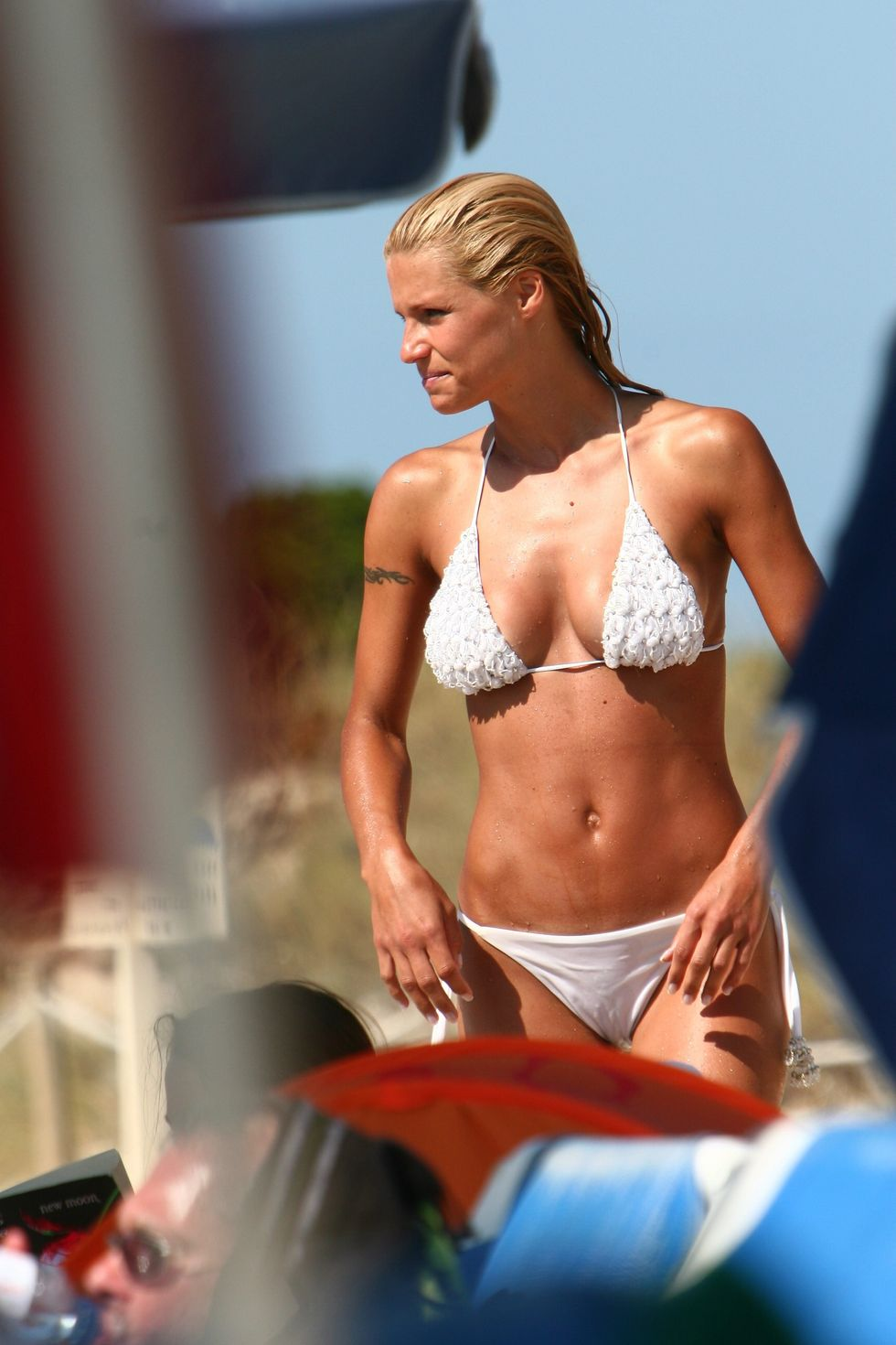 michelle-hunziker-in-bikini-on-formentera-island-01