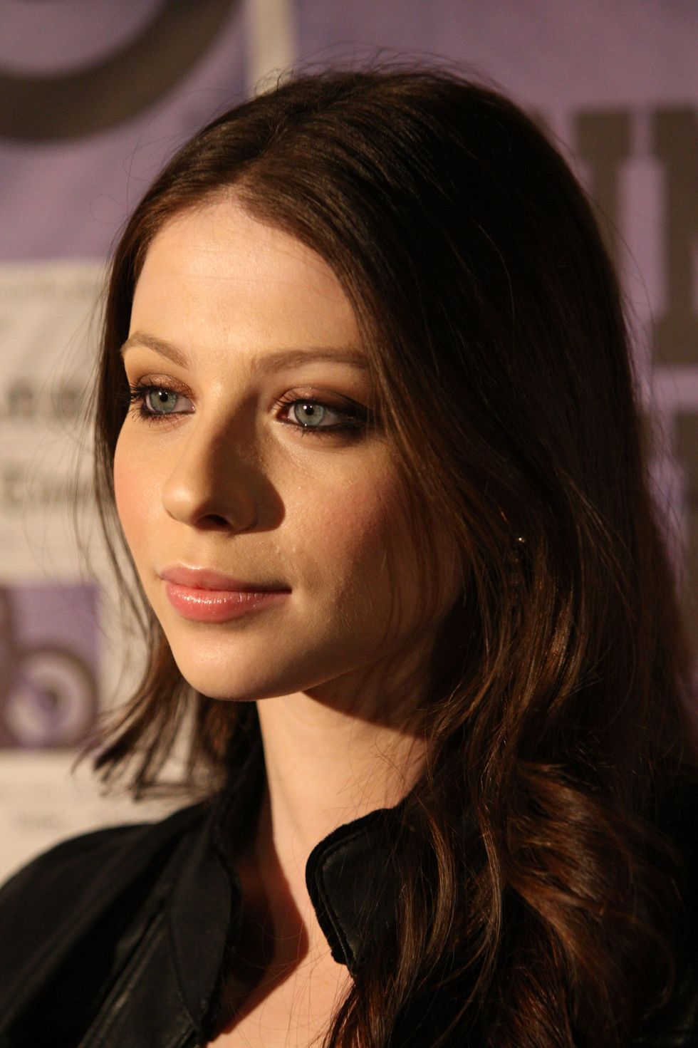 michelle-trachtenberg-anna-suis-collection-launch-in-new-york-01