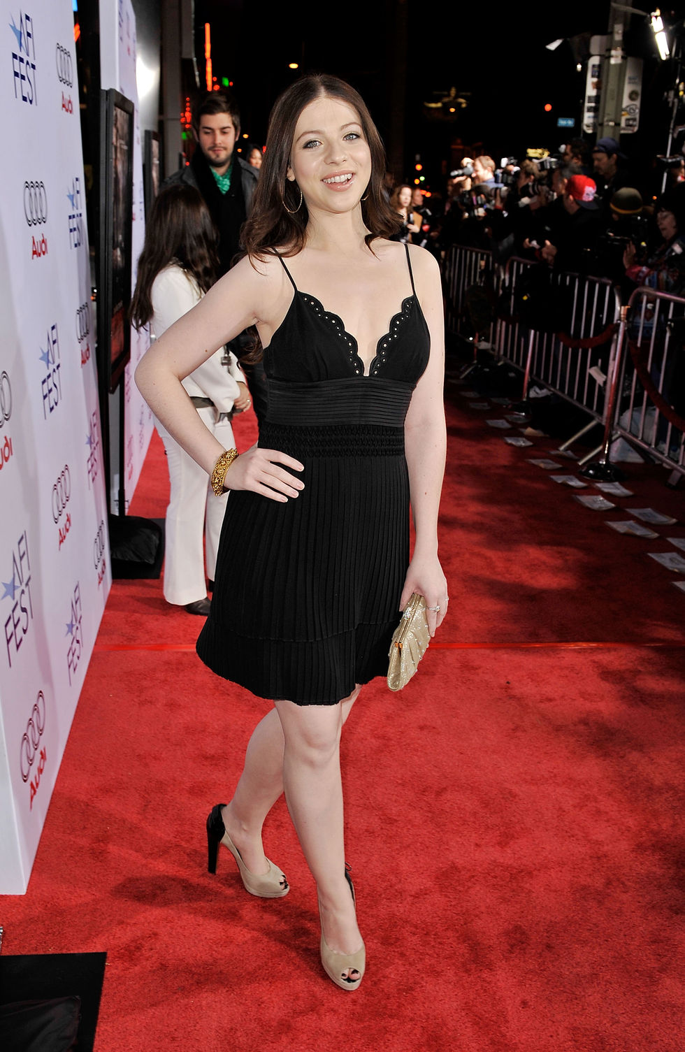 michelle-trachtenberg-defiance-screening-in-hollywood-01