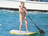 michelle-williams-bikini-candids-in-hawaii-03