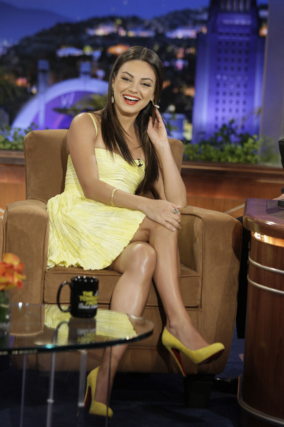 mila-kunis-at-the-tonight-show-with-conan-obrien-in-los-angeles-01