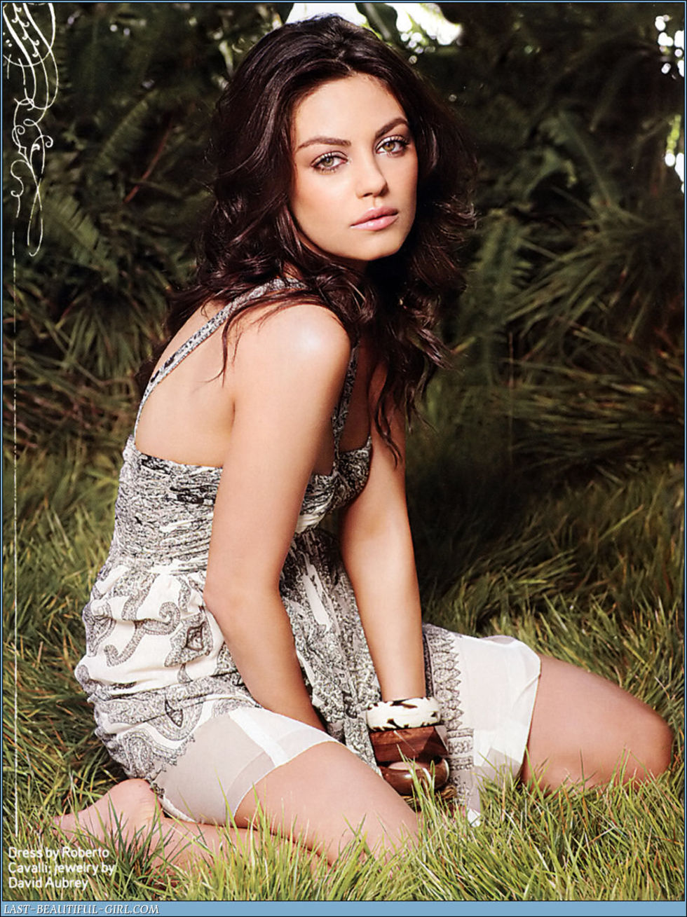 mila-kunis-complex-magazine-april-2008-hq-scans-08