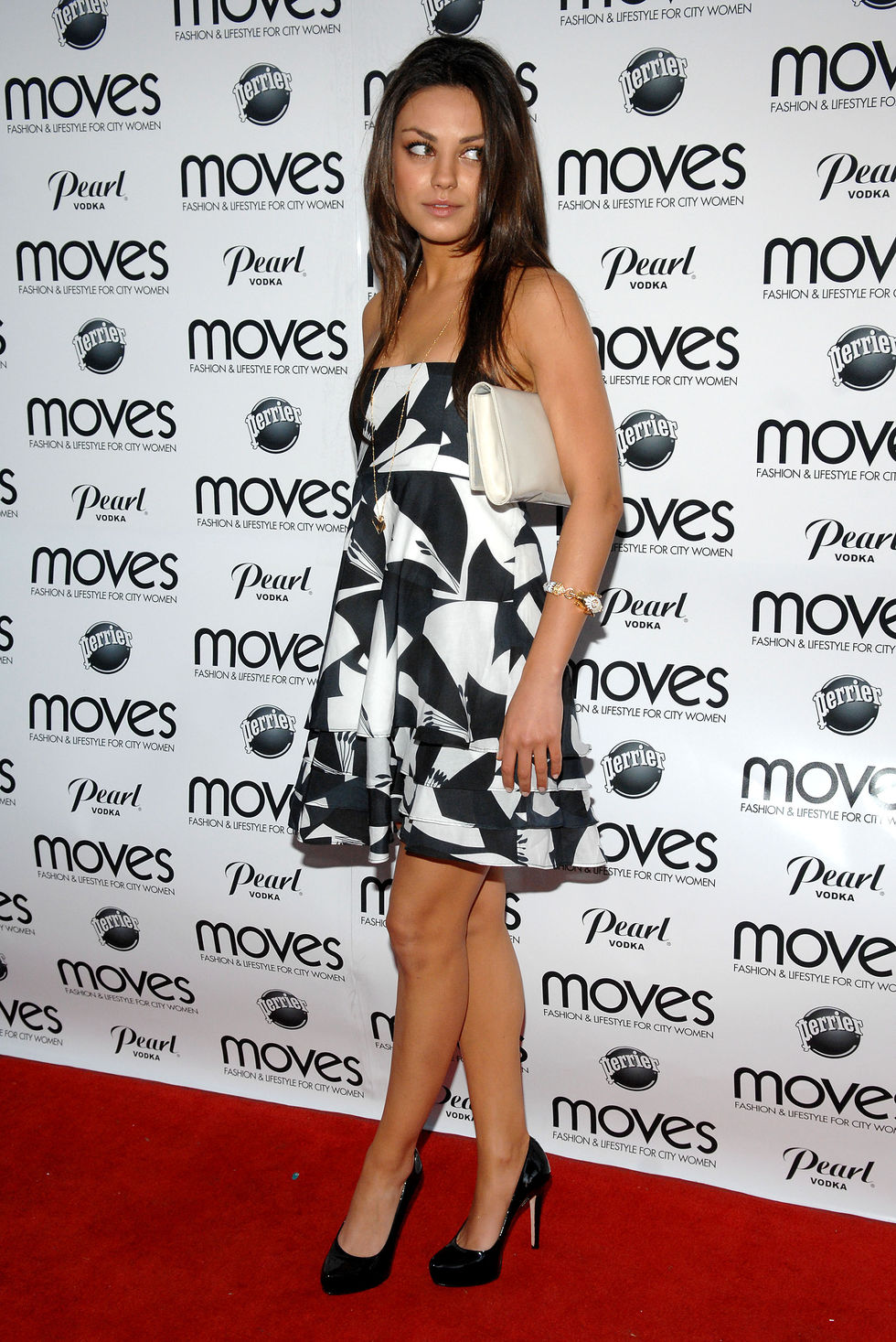 mila-kunis-new-york-moves-art-and-design-issue-launch-party-01