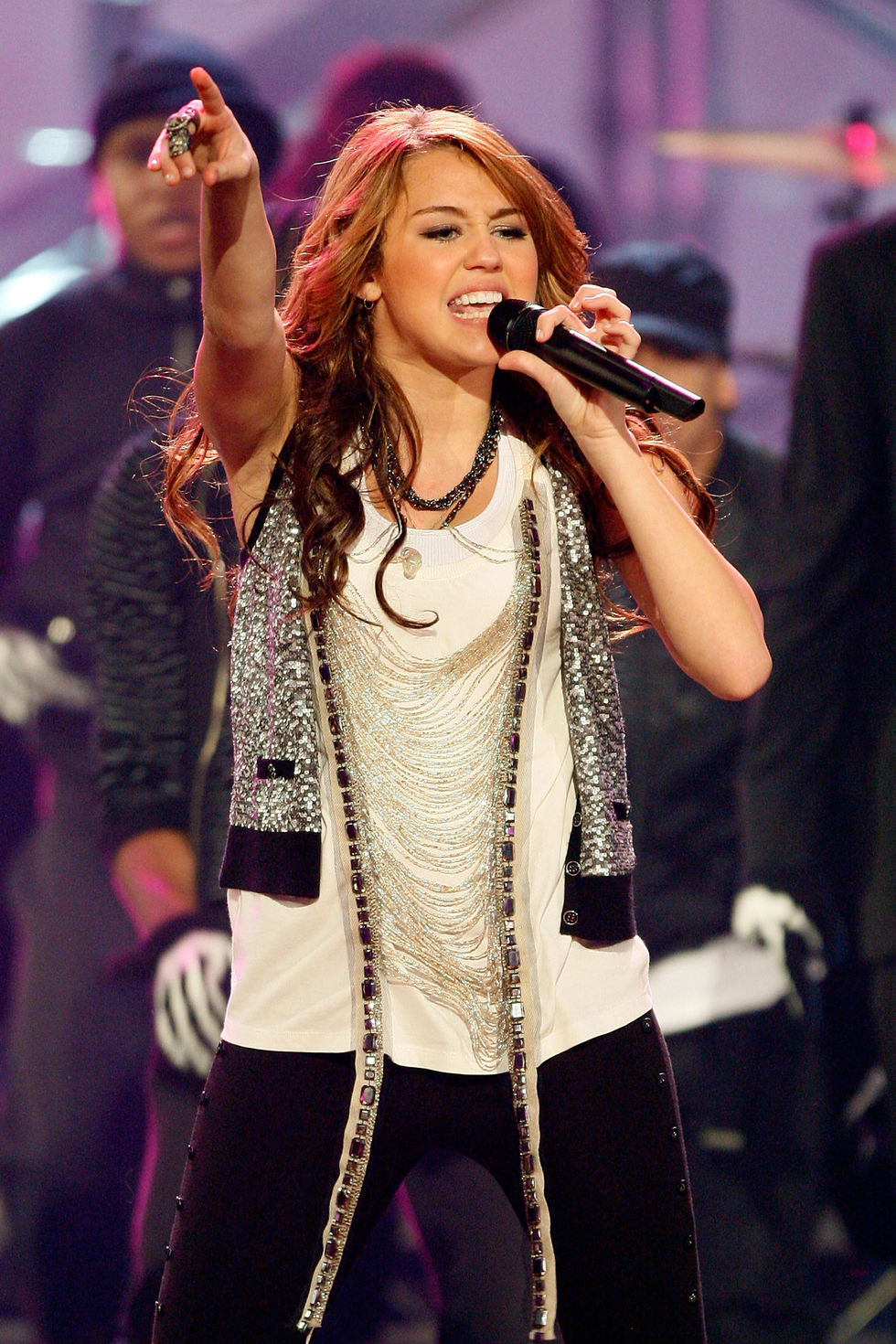 miley-cyrus-2008-american-music-awards-01