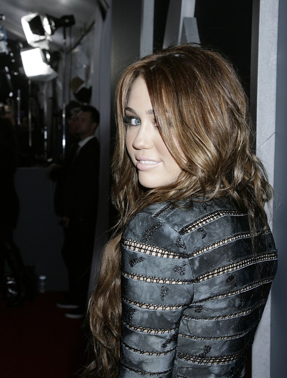 miley-cyrus-52nd-annual-grammy-awards-in-los-angeles-01