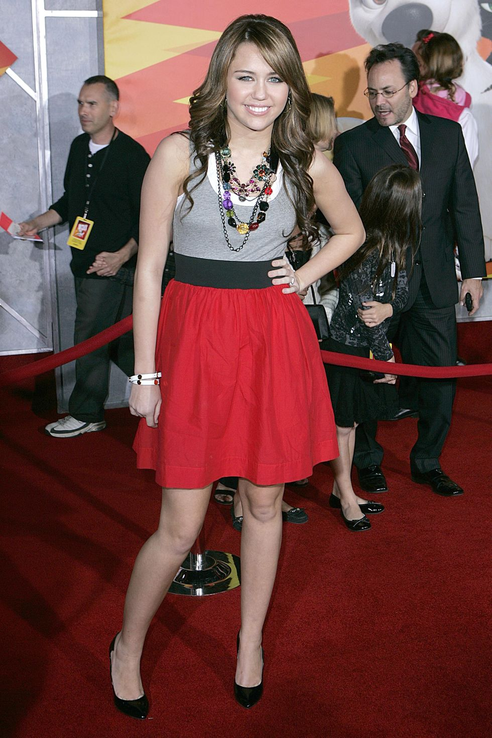 miley-cyrus-bolt-premiere-in-los-angeles-01