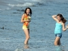 miley-cyrus-filming-hannah-montana-on-the-beach-in-malibu-04