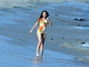miley-cyrus-filming-hannah-montana-on-the-beach-in-malibu-20