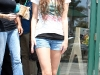 miley-cyrus-hannah-montana-the-movie-movie-set-in-malibu-beach-02