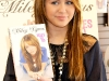 miley-cyrus-miles-to-go-book-signing-in-los-angeles-05