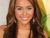 miley-cyrus-nickelodeons-22nd-annual-kids-choice-awards-03