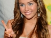 miley-cyrus-nickelodeons-22nd-annual-kids-choice-awards-09