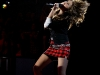 miley-cyrus-performs-at-the-fnmtv-premieres-08