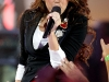 miley-cyrus-performs-at-the-fnmtv-premieres-09