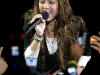 miley-cyrus-performs-at-the-fnmtv-premieres-16