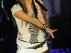 miley-cyrus-performs-at-the-showcase-in-paris-03