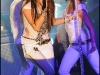 miley-cyrus-performs-at-the-showcase-in-paris-11