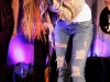 miley-cyrus-performs-live-at-itunes-in-london-03