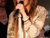 miley-cyrus-performs-live-at-itunes-in-london-04