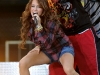 miley-cyrus-performs-on-good-morning-america-07