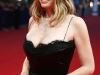 mira-sorvino-like-dandelion-dust-premiere-in-deauville-04