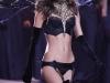 miranda-kerr-2009-victorias-secret-fashion-show-05